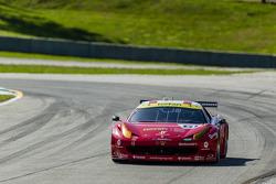 #61 R.Ferri/AIM Motorsport Racing met Ferrari Ferrari 458: Max Papis, Jeff Segal