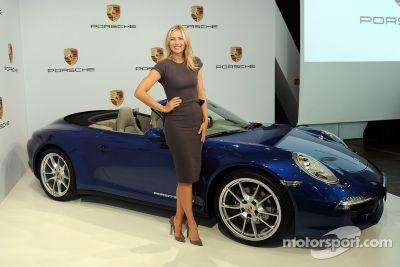 Tennisidool Maria Sharapova vertegenwoordigt Porsche