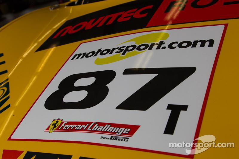 #87 Ferrari 458 motorkap