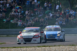 Mehdi Bennani, BMW E90 320 TC, Proteam Racing and Alex MacDowall, Chevrolet Cruze 1.6T, bamboo-engineering
