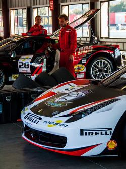 Ferrari Challenge Garage Details