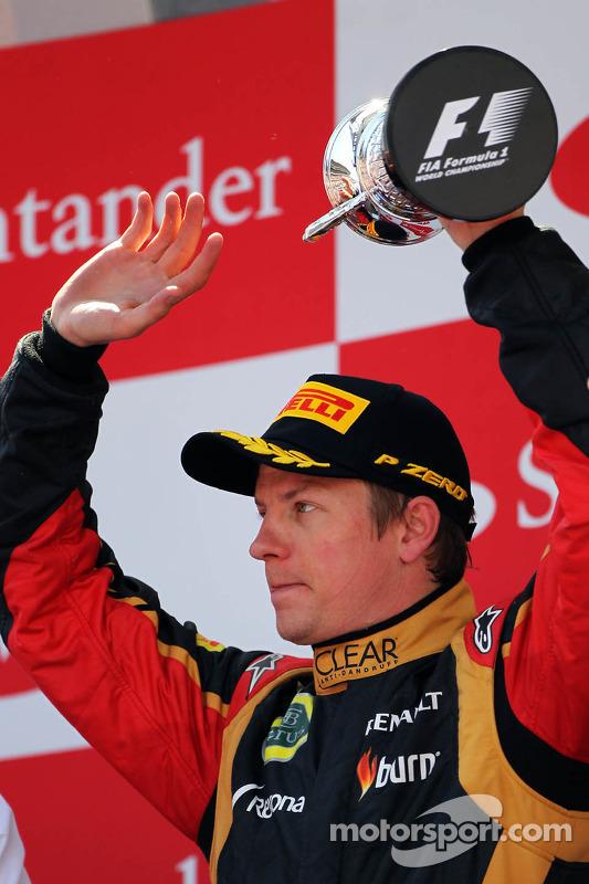 Kimi Raikkonen, Lotus F1 Team viert zijn 2e plaats op het podium