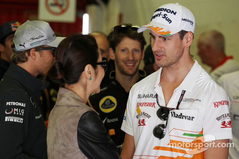 Adrian Sutil, Sahara Force India F1 with Michelle Yeoh (MAL)