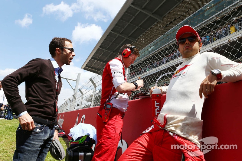 Felipe Massa, Ferrari with Rob Smedley, Ferrari Race Engineer and Nicolas Todt, Driver Manager on th