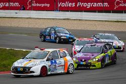 #139 Renault Clio (SP3): Xavier Lamadrid, Massimiliano Girando, Nicolas Abril and #153 Seat Leon TDI(D1T): Ivo Breukers, Henk Thijssen