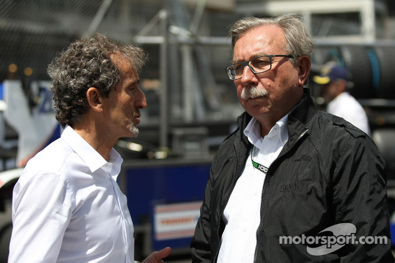 (L to R): Alain Prost, with Jean-Francois Caubet, Renault Sport F1 Managing Director