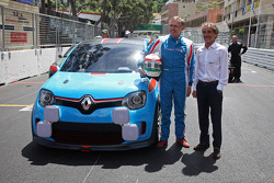Carlos Tavares, Renault COO met de Renault Twin'Run Concept Car, met Alain Prost (FRA)