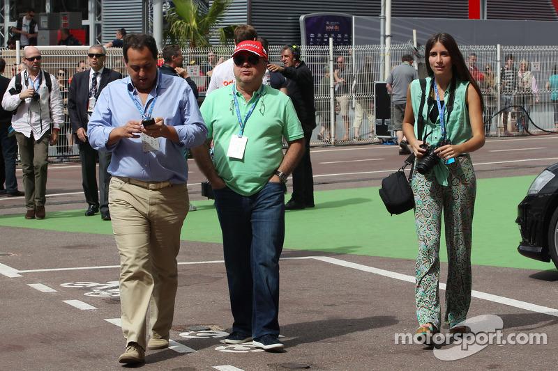 Luiz Antonio Massa, father of Felipe Massa, Ferrari (Centre)