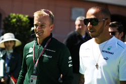 Heikki Kovalainen, Caterham F1 Team piloto de reserva con Lewis Hamilton, Mercedes AMG F1