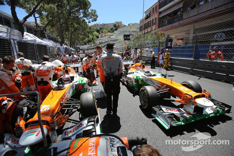 Paul di Resta, Sahara Force India VJM06, and team mate Adrian Sutil, Sahara Force India VJM06 on the grid