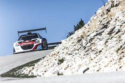 Sébastien Loeb testa o Peugeot 208 T16 Pikes Peak no Mont Ventoux