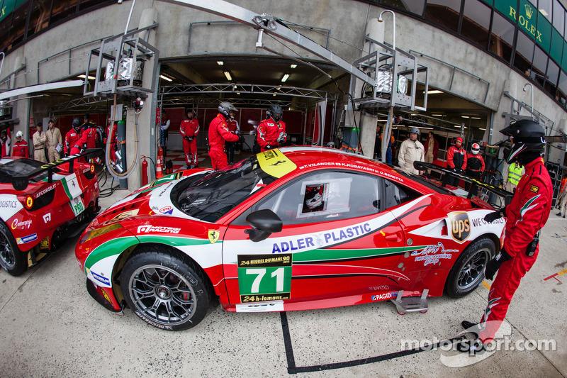 #71 AF Corse Ferrari F458 Italia: Olivier Beretta, Toni Vilander, Kamui Kobayashi