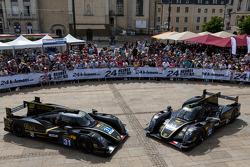 #31 Lotus Praga LMP2 Lotus T128: Kevin Weeda, Christophe Bouchut; #32 Lotus Praga LMP2 Lotus T128: Thomas Holzer, Dominik Kraihamer, Jan Charouz