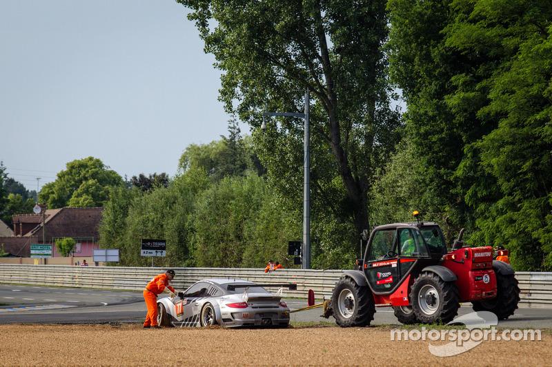 #77 Dempsey Racing - Proton Porsche 911 GT3-RSR: Patrick Dempsey, Joe Foster, Patrick Long na een sp