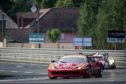 #55 AF Corse Ferrari F458 Italia: Piergiuseppe Perazzini, Darryl O'Young, Lorenzo Casé