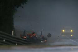 #40 Boutsen Ginion Racing Oreca 03 Nissan: Thomas Dagoneau, Rodin Younessi, Matt Downs crashes heavily