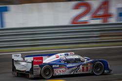 #8 Toyota Racing, Toyota TS030 Hybrid: Anthony Davidson, Stéphane Sarrazin, Sebastien Buemi