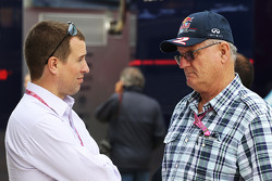 Peter Phillips, com Alan Webber, Red Bull Racing