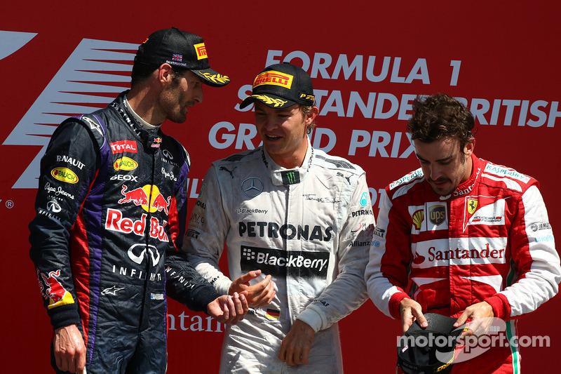 1e plaats Nico Rosberg, Mercedes AMG F1 W04 met 2e plaats voor Mark Webber, Red Bull Racing en 3e pl