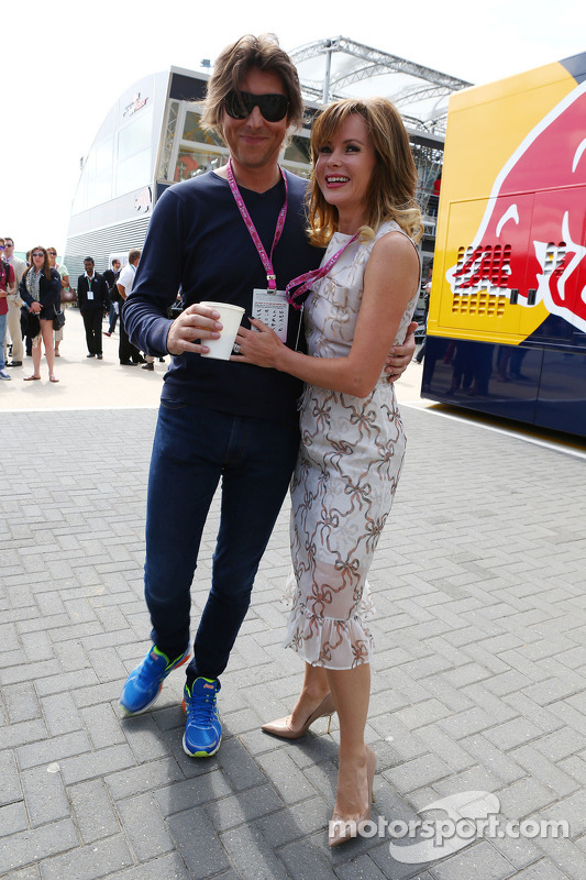 Amanda Holden com Chris Hughes