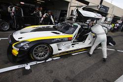 #18 Black Falcon: Klaas Hummel, Steve Jans, Adam Christodoulou, Mercedes SLS AMG GT3