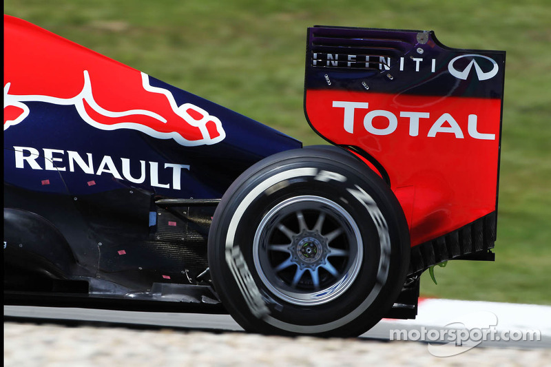 Heat sensors on the engine cover of Mark Webber, Red Bull Racing RB9