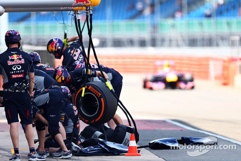 Antonio Felix da Costa, Red Bull Racing RB9 Test Driver komt de pits binnen