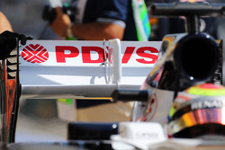 Pastor Maldonado, Williams FW35 rear wing detail