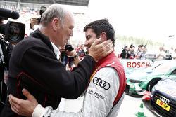 Dr. Wolfgang Ullrich, jefe de Audi Sport y el ganador de la carrera Mike Rockenfeller