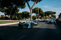 Нельсон Пике-мл., Jaguar Racing, Лукас ди Грасси, Audi Sport ABT Schaeffler, Себастьен Буэми, Renault e.Dams, и Лука Филиппи, NIO Formula E Team