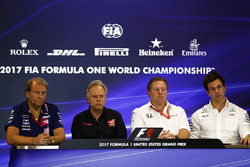 Bob Fernley, Deputy Team Principal, Force India, Gene Haas, Team Owner, Haas F1 Team, Zak Brown, Executive Director, McLaren Technology Group, Toto Wolff, Executive Director Mercedes AMG F1, in the Team Principals Press Conference