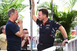 Комментатор Sky Sports F1 Мартин Брандл и руководитель Red Bull Racing Кристиан Хорнер
