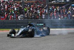 Valtteri Bottas, Mercedes-Benz F1 W08  locks up