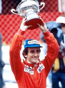 Le vainqueur Alain Prost, McLaren