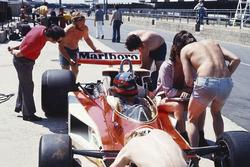 Жиль Вільньов, McLaren M23 Ford