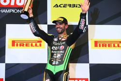 Podio: il terzo classificato Kenan Sofuoglu, Kawasaki Puccetti Racing