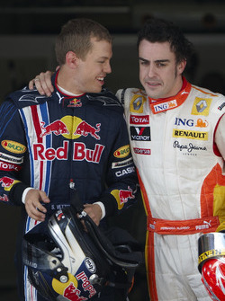 Sebastian Vettel, Red Bull Racing con Fernando Alonso, Renault F1 Team