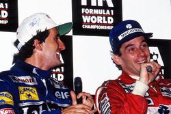 Чемпіон світу Ален Прост (Williams) і переможець гонки Айртон Сенна (McLaren) на прес-конференції