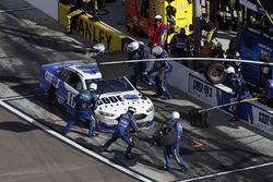 Danica Patrick, Stewart-Haas Racing Ford, pit stop