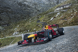 Red Bull: Showrun am Gotthardpass