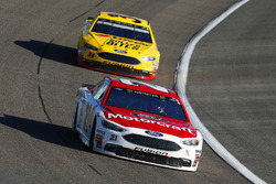 Ryan Blaney, Wood Brothers Racing Ford, Landon Cassill, Front Row Motorsports Ford