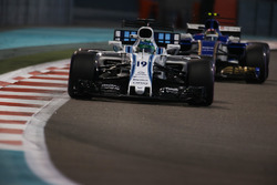 Felipe Massa, Williams FW40, Pascal Wehrlein, Sauber C36