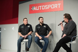 Matt James talking to Rob Austin and Simon Belcher, BTCC