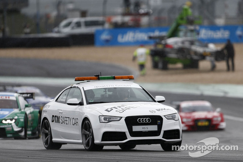 AUDI RS5 safety car