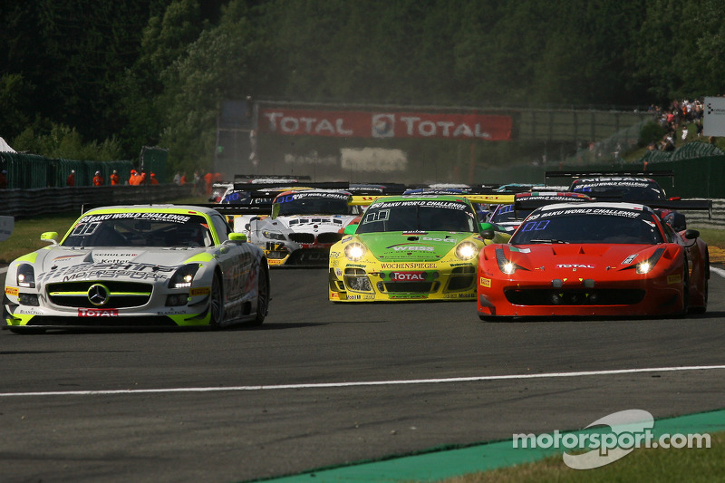 Eerste ronde; #84 HTP Motorsport Mercedes SLS AMG GT3: Bernd Schneider, Maximilian Buhk, Maximilian Götz