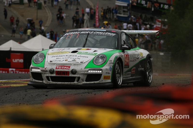 Een beetje te close... #94 SpeedLover Porsche 997 GT3 R: Jean-Michel Gerome, Wim Meulders, Rik Renanms, Philippe Richard