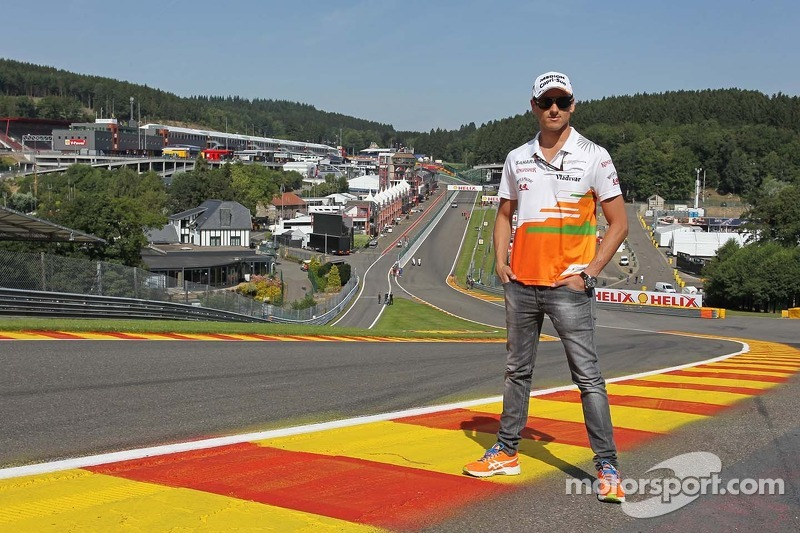 Adrian Sutil, Sahara Force India F1 in Eau Rouge.