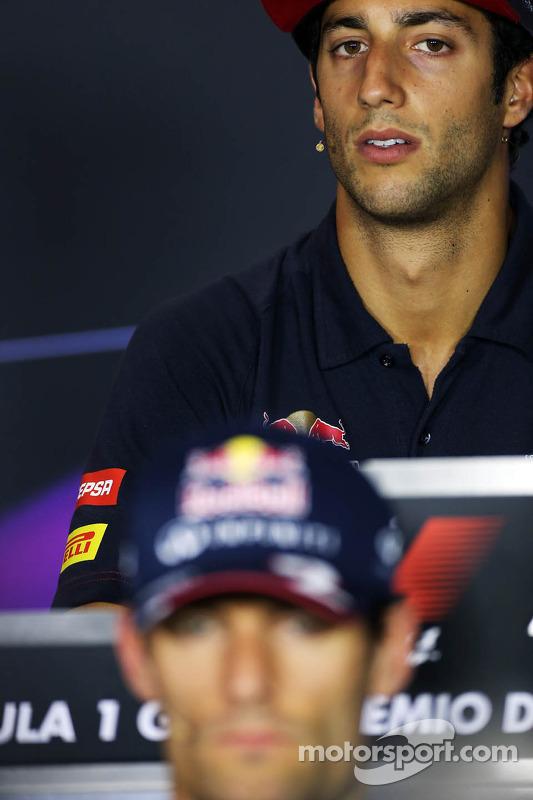 Mark Webber, Red Bull Racing e Daniel Ricciardo, Scuderia Toro Rosso na coletiva da FIA