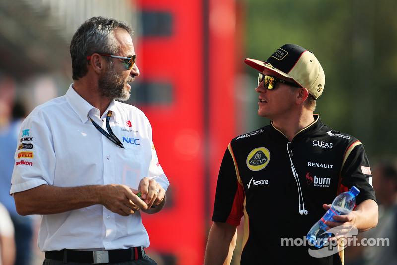 Beat Zehnder, Sauber F1 Team Manager met Kimi Raikkonen, Lotus F1 Team
