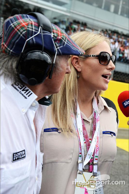 (Da esquerda para direita): Jackie Stewart, com Zara Phillips, no grid